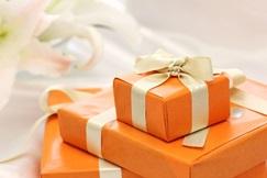 古希祝いにプレゼントを贈る